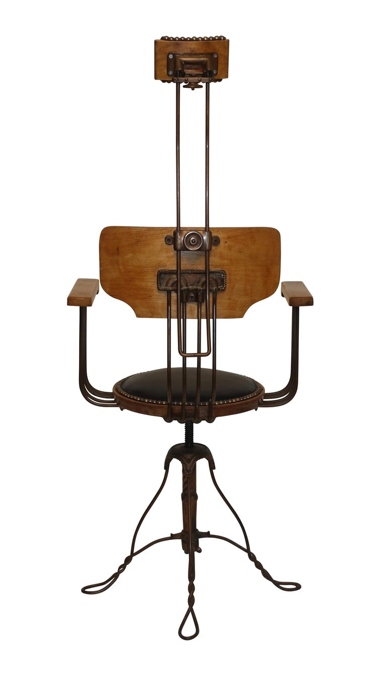 Multi Adjustable Barber's Chair, American Early 20th Century For Sale 3