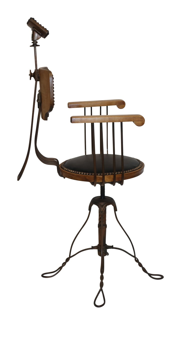 Multi Adjustable Barber's Chair, American Early 20th Century For Sale 2