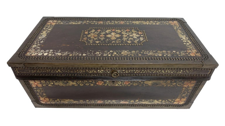 19th Century Chinese Export Hand-Painted Leather Trunk For Sale 1