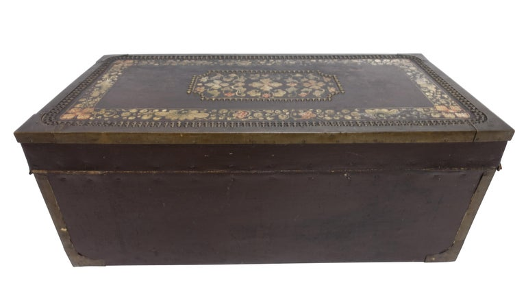 19th Century Chinese Export Hand-Painted Leather Trunk For Sale 6