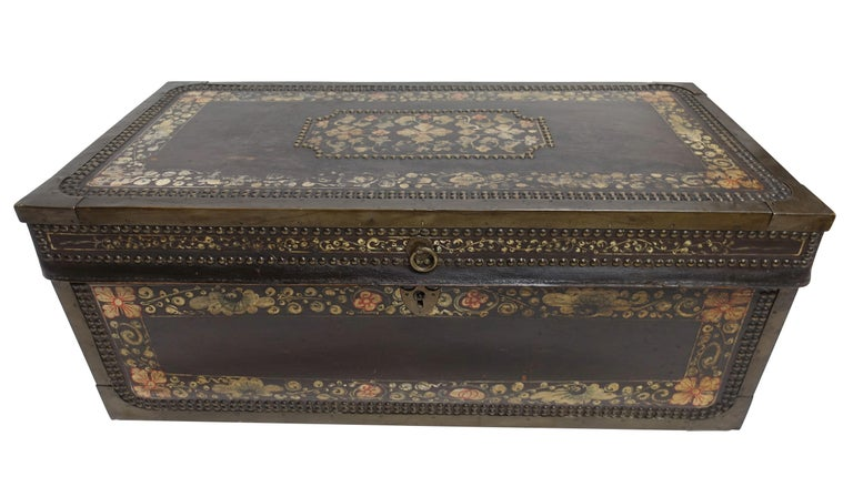 19th Century Chinese Export Hand-Painted Leather Trunk For Sale 7