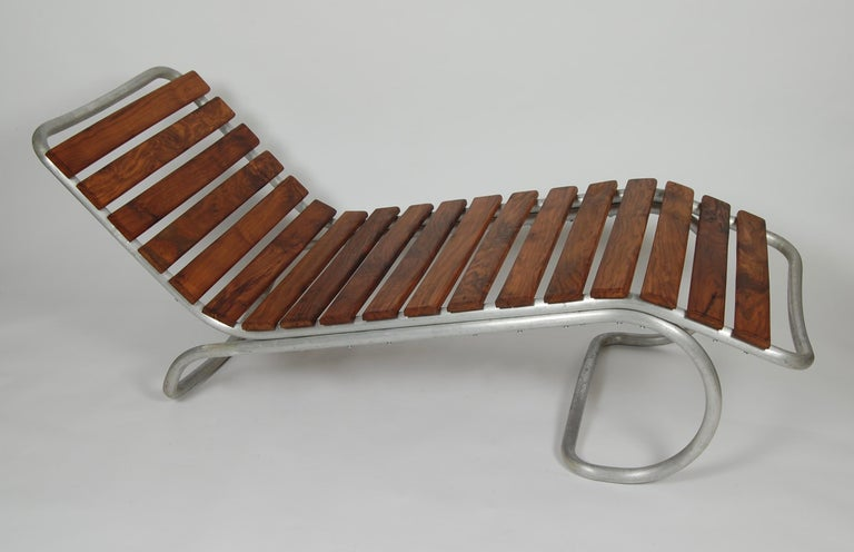 Modernist / Bauhaus Style Chaise in Aluminum and Claro Walnut For Sale 5