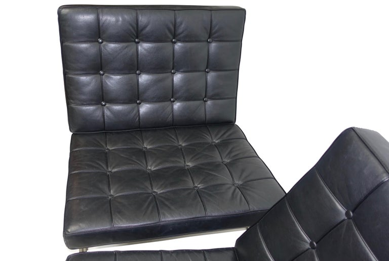 Mid-Century Modern Pair of Knoll Barcelona Style Black Leather Chairs, Mies van der Rohe For Sale