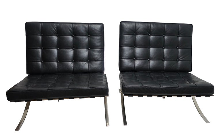 20th Century Pair of Knoll Barcelona Style Black Leather Chairs, Mies van der Rohe For Sale