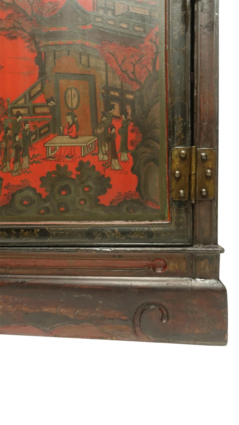 Pair of Chinese Lacquer Robe Cabinets, Qing Dynasty, circa 1840 For Sale 4