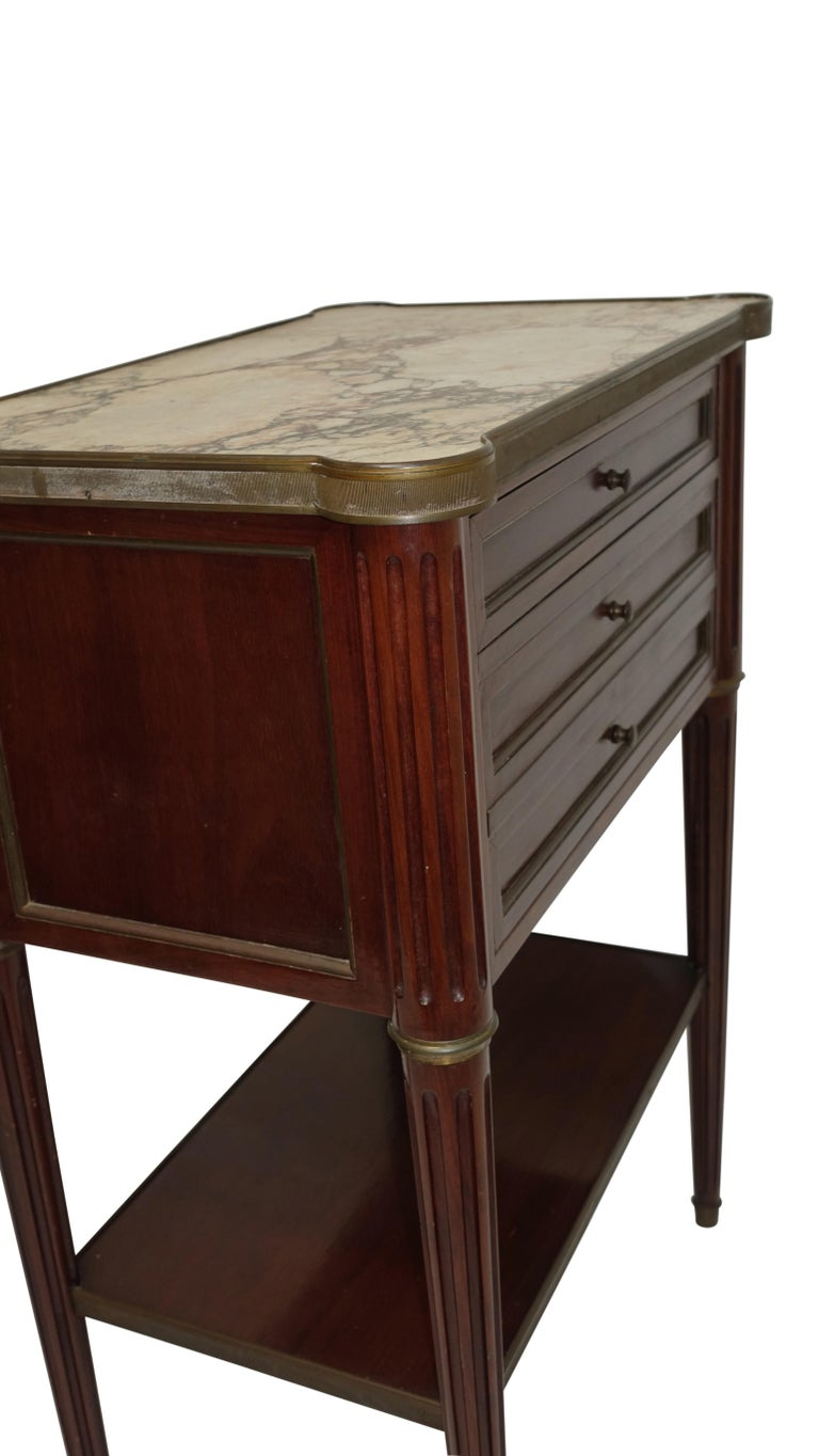 Louis XVI Style Mahogany Side Table Cabinet, French, 1940s In Good Condition For Sale In San Francisco, CA