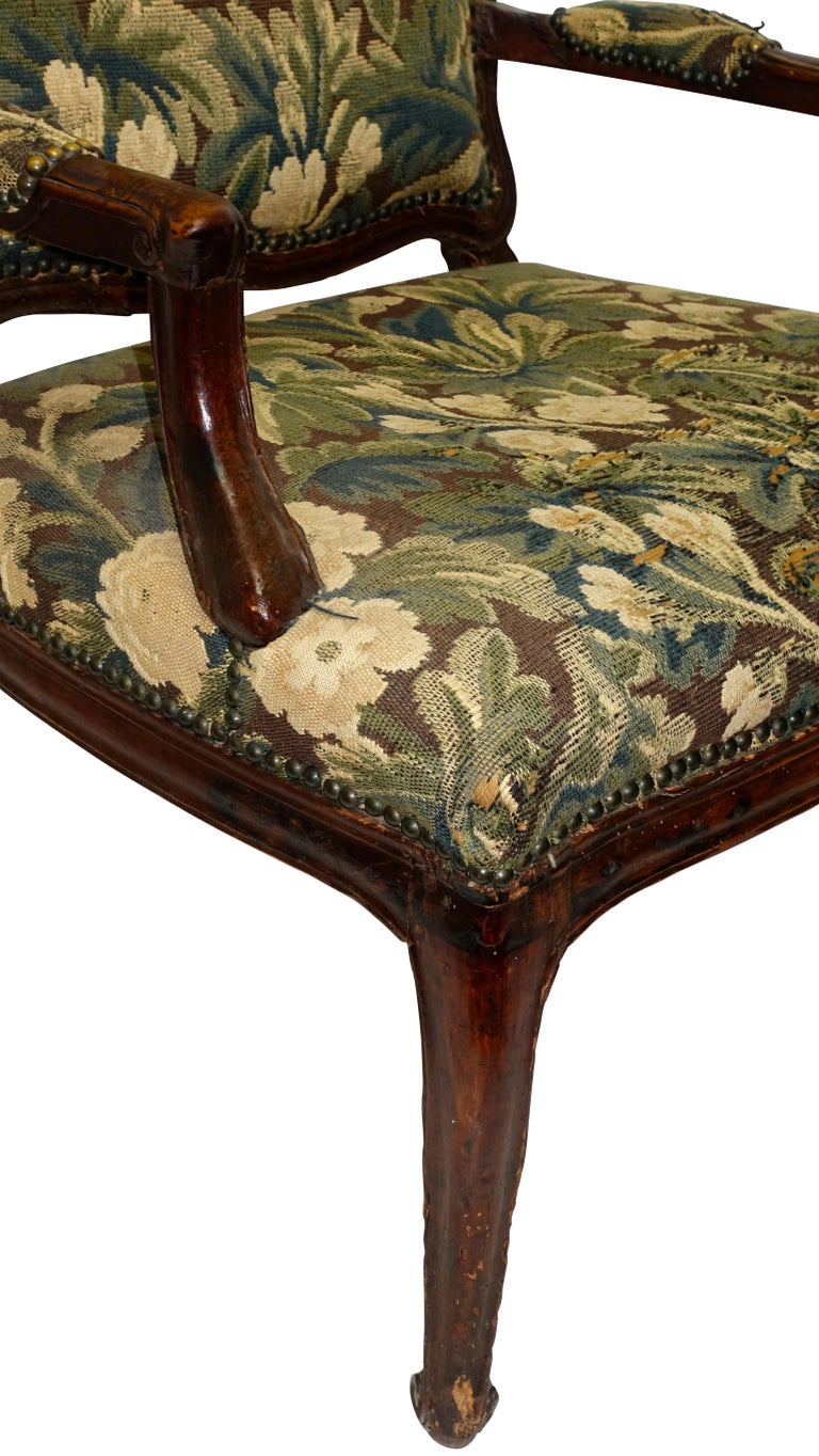 Walnut Fauteuil Armchair, Italian, 18th Century In Good Condition For Sale In San Francisco, CA