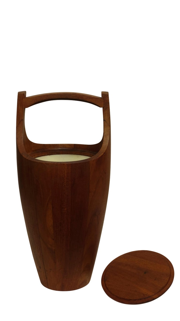 Teak Wood Ice Bucket by Jens Quistaard, Mid-Century Danish Modern In Good Condition For Sale In San Francisco, CA