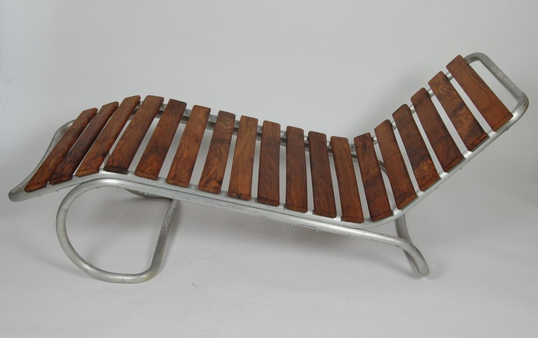 American Modernist / Bauhaus Style Chaise in Aluminum and Claro Walnut For Sale