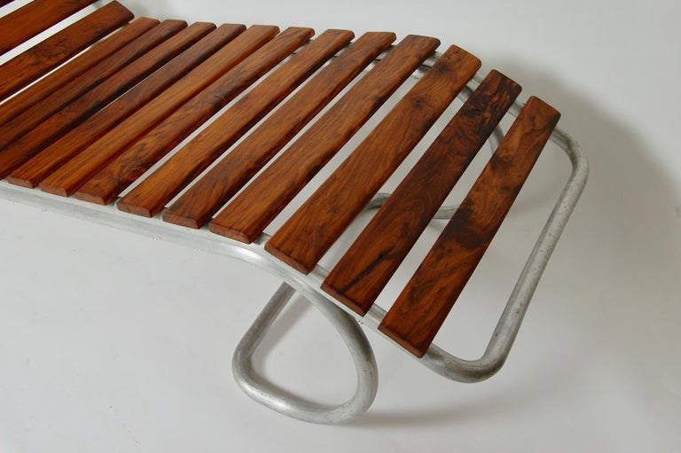 Modernist / Bauhaus Style Chaise in Aluminum and Claro Walnut For Sale 3