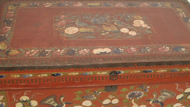 19th Century Chinese Export Hand-Painted Red Leather Trunk For Sale 3