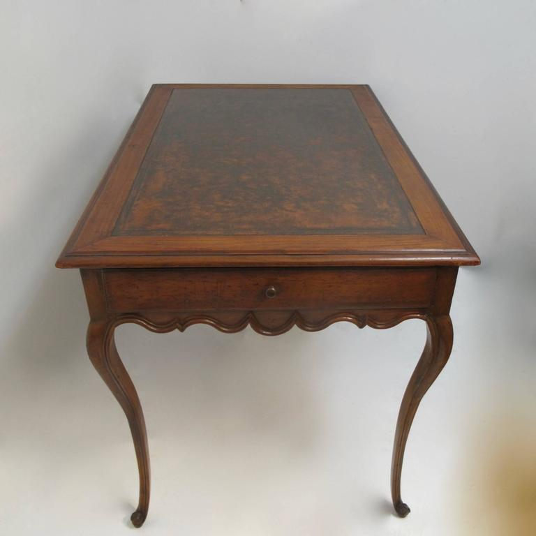 18th Century and Earlier Walnut Writing Table Desk with Inset Leather, French 18th Century For Sale