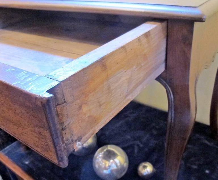 18th Century French Louis XVI Writing Table or Desk For Sale 4