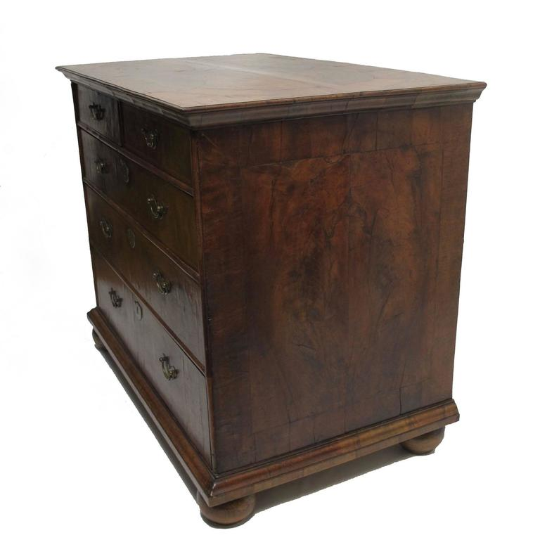 English George II Burl Walnut Chest of Drawers For Sale