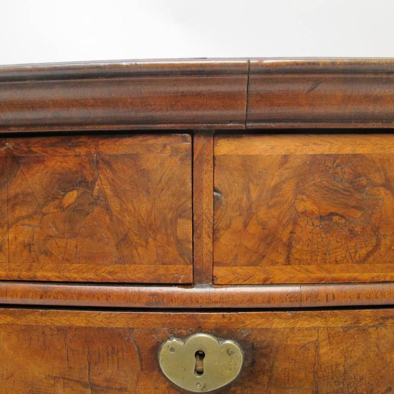 18th Century and Earlier George II Burl Walnut Chest of Drawers For Sale