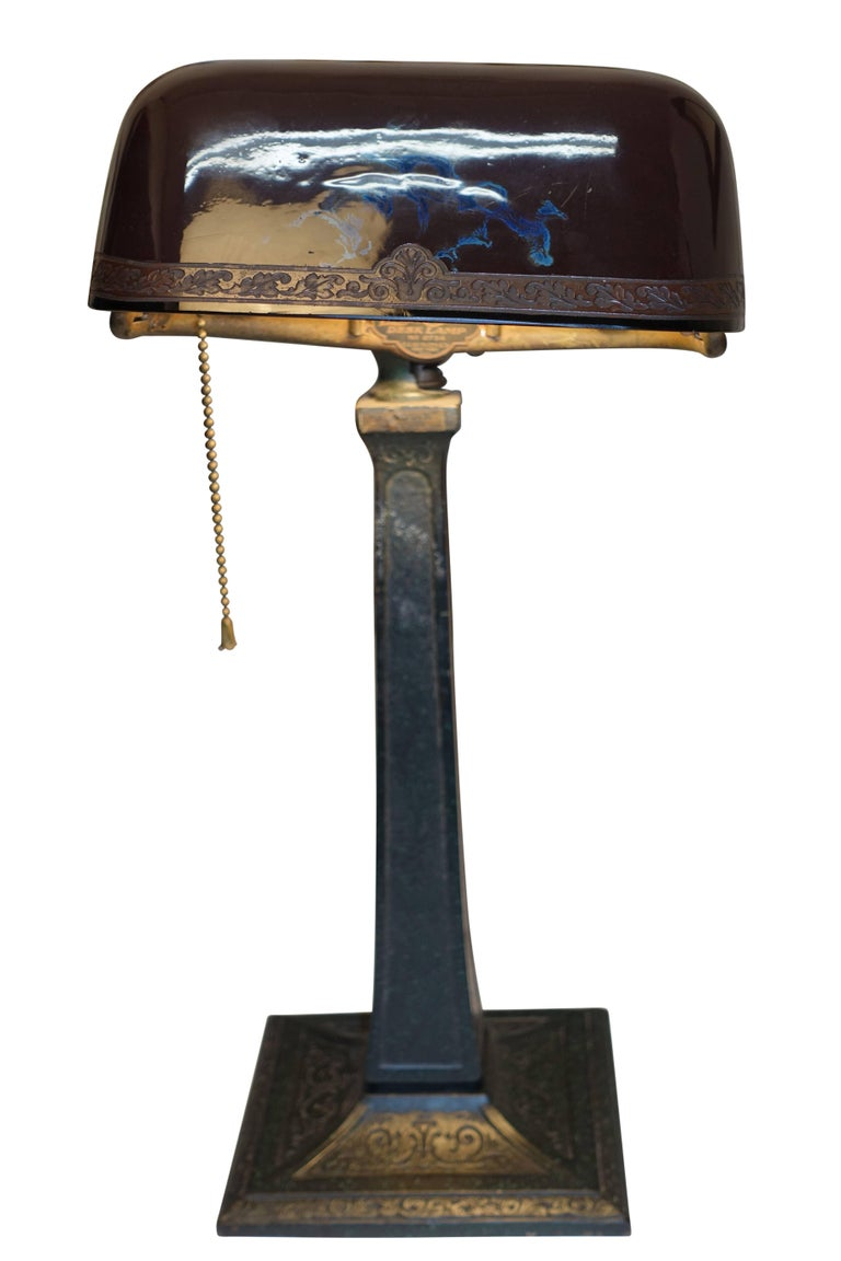 Emeralite Desk Lamp with Cased Glass Shade, American, circa 1915 For Sale 2