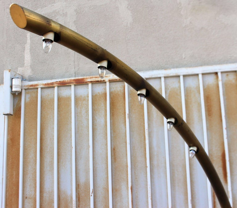 Italian Brass and Leather Floor Lamp In Good Condition For Sale In Los Angeles, CA