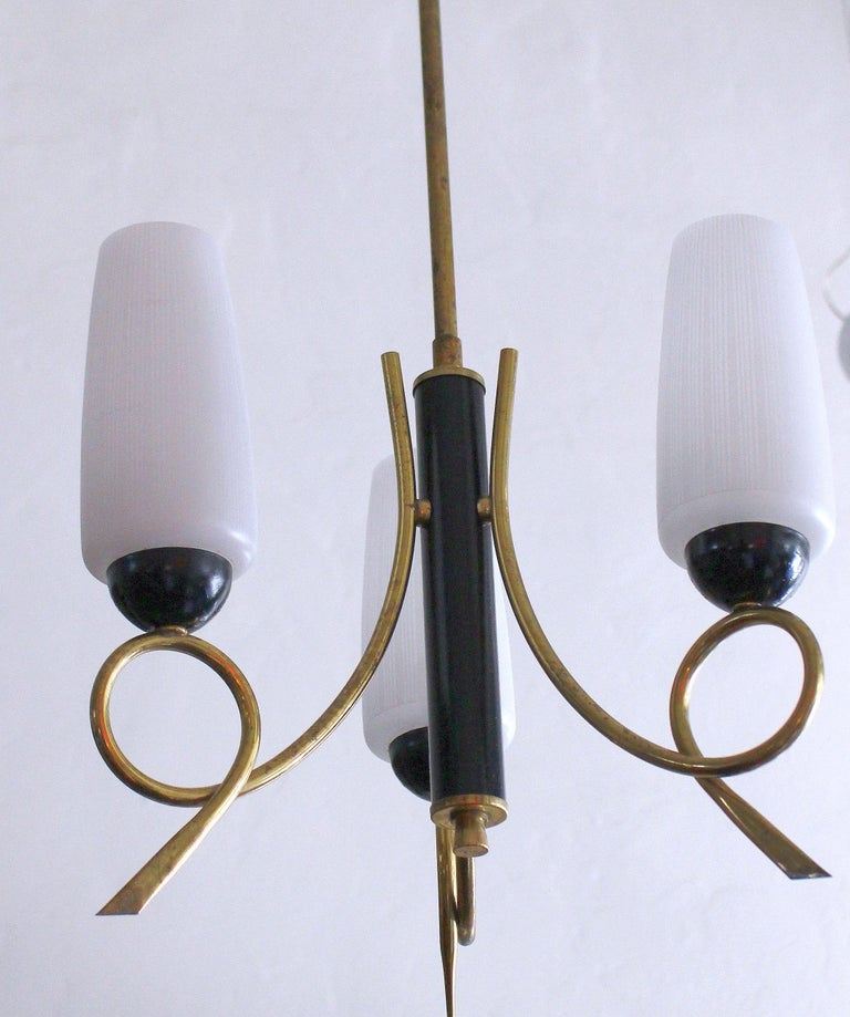 Italian Brass Chandeliers in Style of Stilnovo In Excellent Condition For Sale In Los Angeles, CA