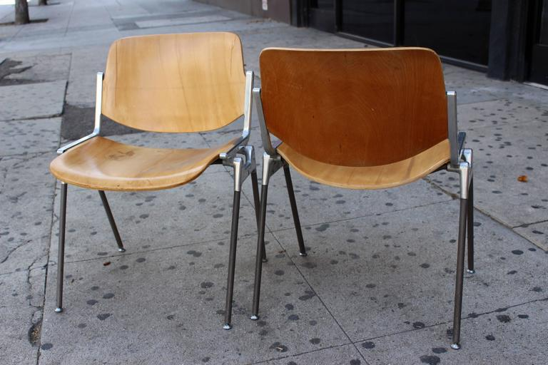 Mid-Century Modern Set of Four Italian Chairs Designed by Giancarlo Piretti for Castelli For Sale