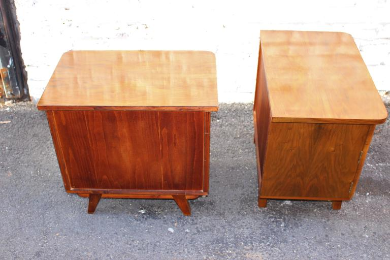 Austrian Deco Pair of Veneer Nightstands In Excellent Condition For Sale In Los Angeles, CA