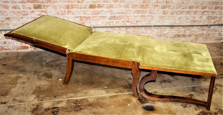 1930s Art Deco Daybed-Chair and the Side Art Deco Table In Excellent Condition For Sale In Los Angeles, CA
