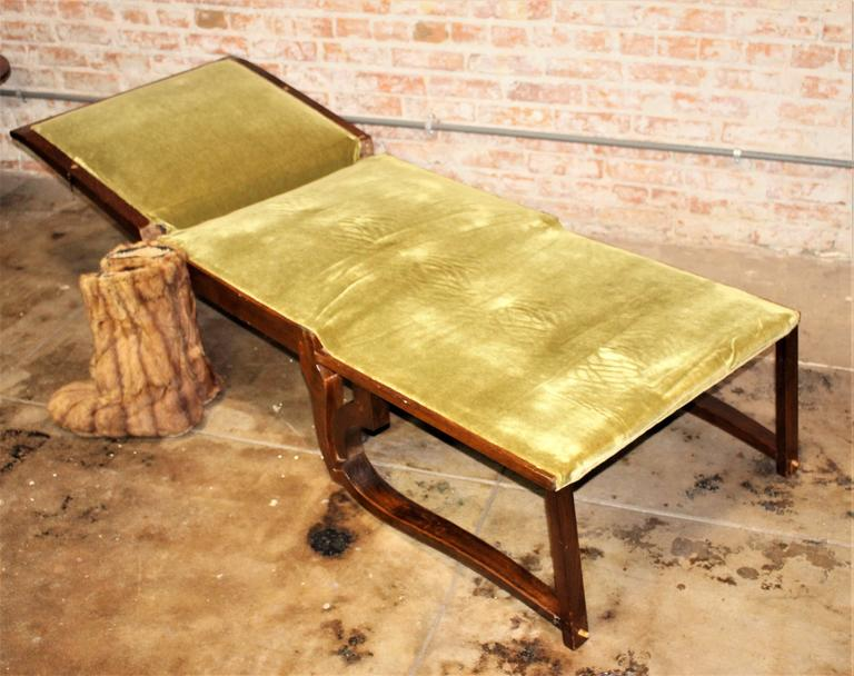 1930s Art Deco Daybed-Chair and the Side Art Deco Table For Sale 1