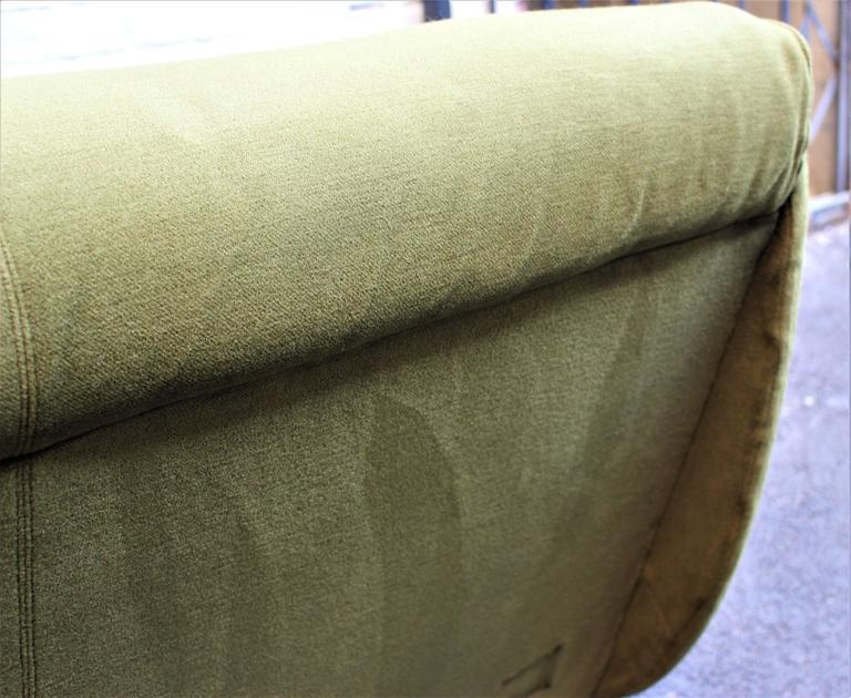 Mid-20th Century Art Deco Italian Sofa For Sale