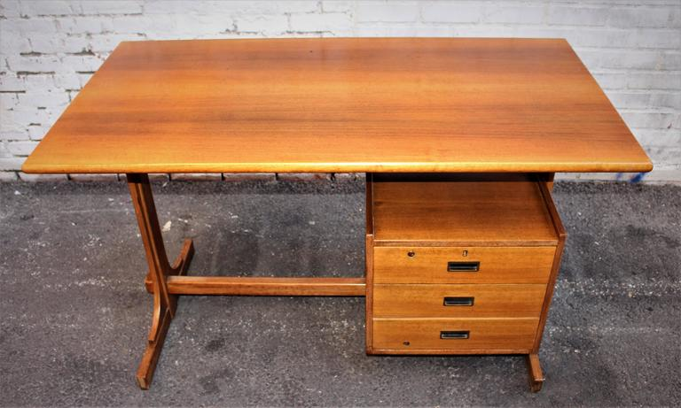 Italian Desk Attributed to Franco Albini 3