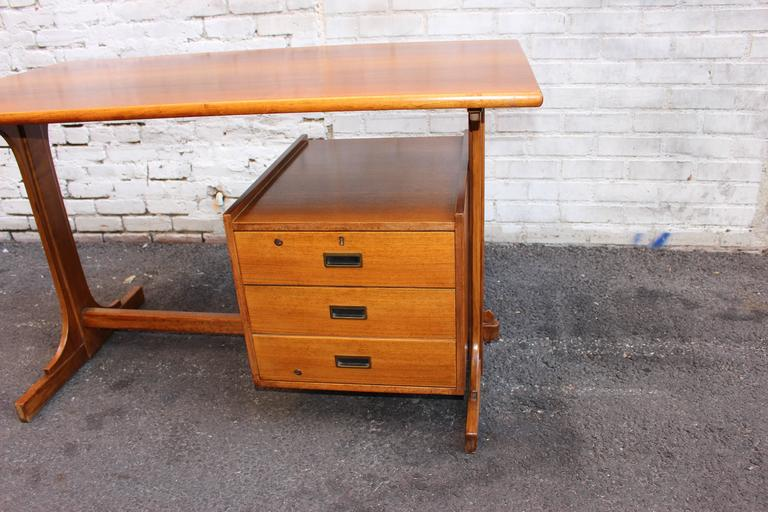 Italian Desk Attributed to Franco Albini 5