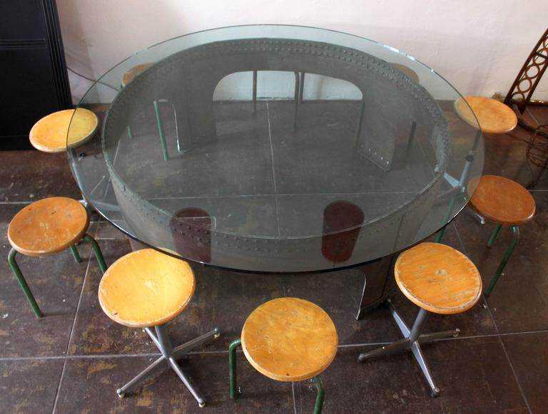 Italian Round Conference Table by Gimo Fero In Excellent Condition For Sale In Los Angeles, CA