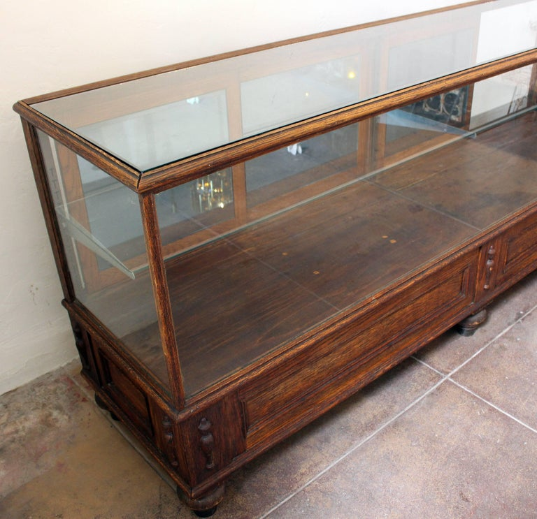 Early 20th Century Antique Glass Case by Grand Rapid Store Equipment For Sale