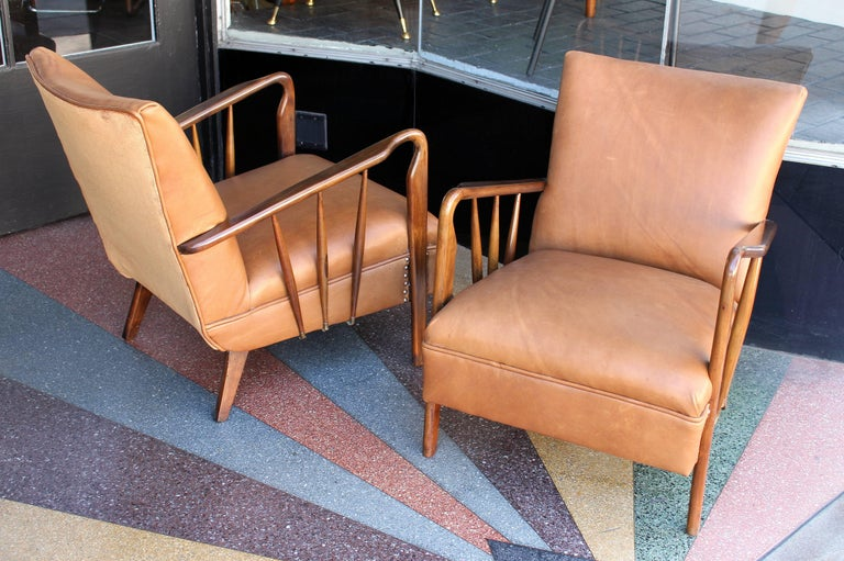 Italian Pair of Chairs Attributed to Guglielmo Ulrich In Excellent Condition For Sale In Los Angeles, CA