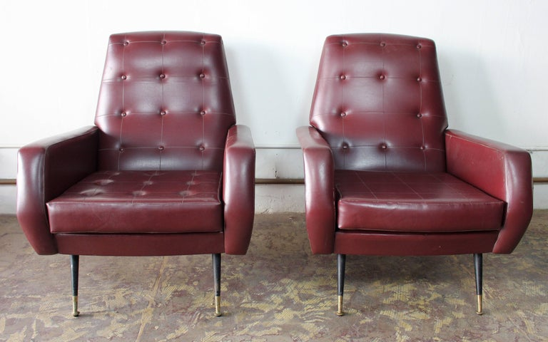 Mid-Century Modern Italian Pair of Club Chairs For Sale