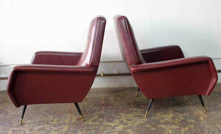 Italian Pair of Club Chairs In Good Condition For Sale In Los Angeles, CA