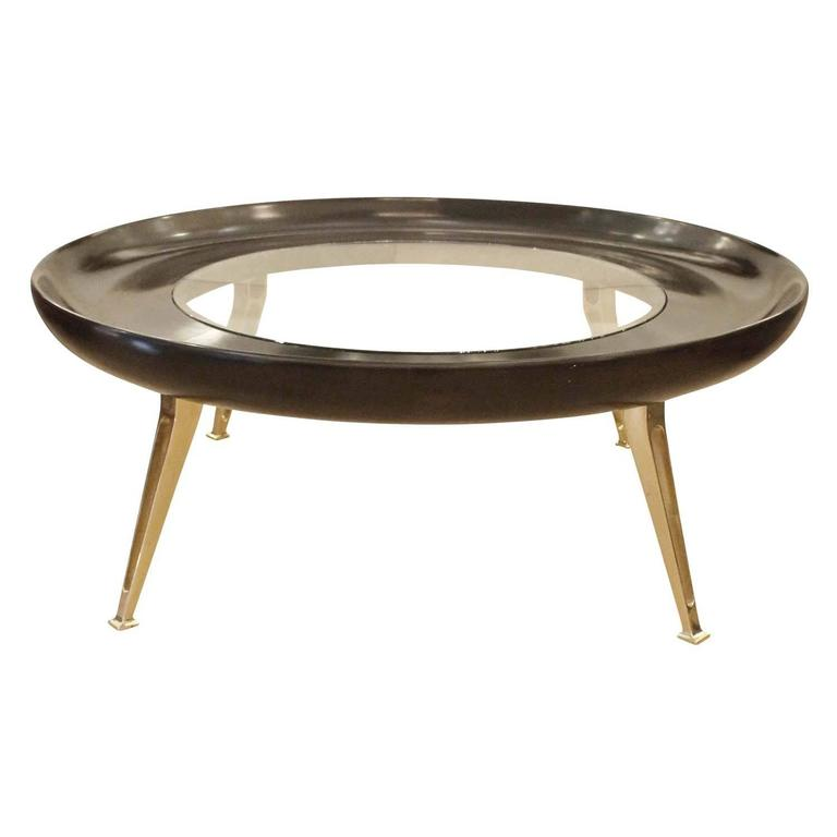 large round brass and wood coffee table at 1stdibs. Black Bedroom Furniture Sets. Home Design Ideas