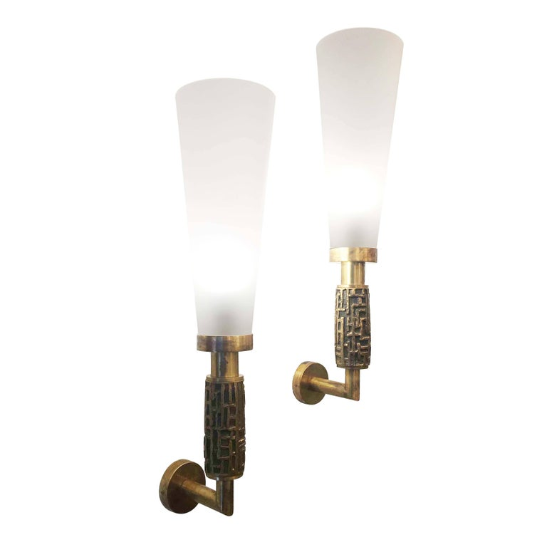 Mid-Century Modern Pair of Large Luciano Frigerio Wall Lights, Italy, 1970s For Sale