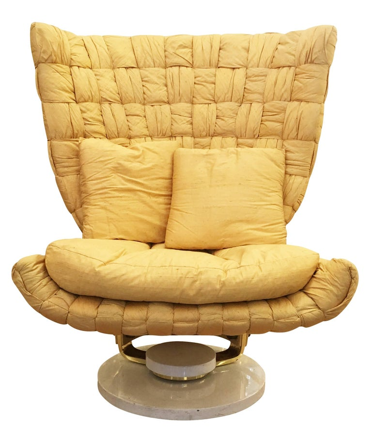 Swivel Lounge Chair by Marzio Cecchi In Excellent Condition For Sale In New York, NY