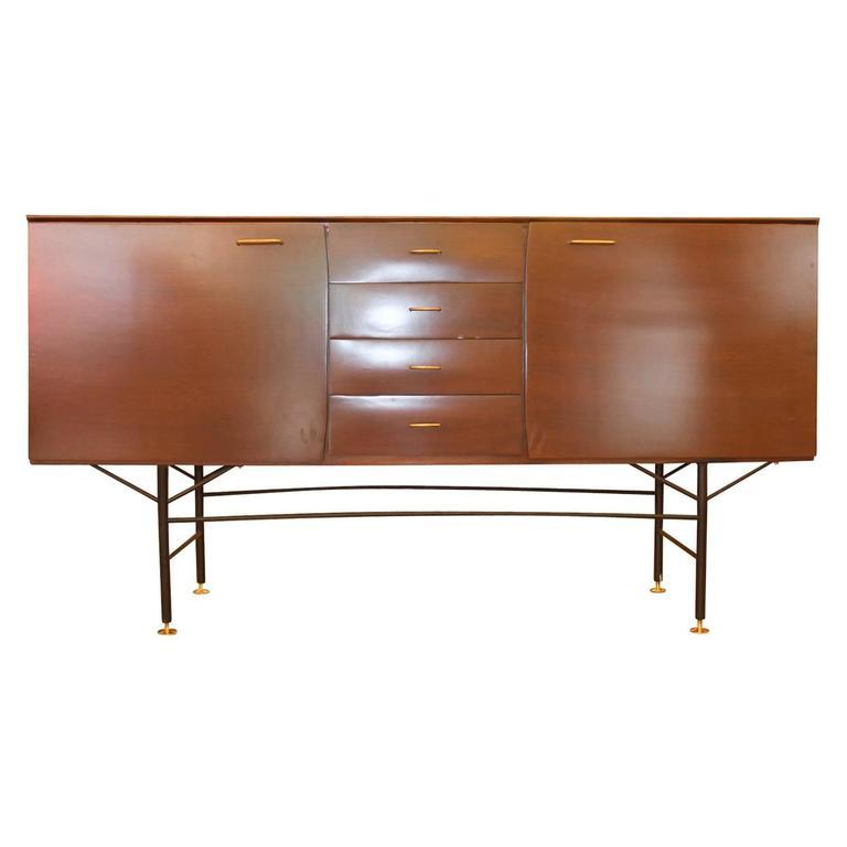 Mid-Century Italian Credenza In Good Condition For Sale In New York, NY