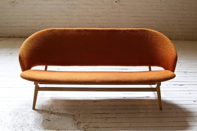 Early Jens Risom for Knoll Maple and Wool Settee, 1940s In Good Condition In Brooklyn, NY