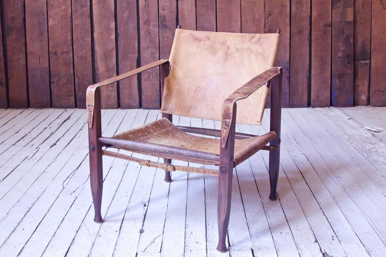 Vintage Kaare Klint Leather and Stained Beechwood Safari Chair, 1940s In Good Condition For Sale In Brooklyn, NY