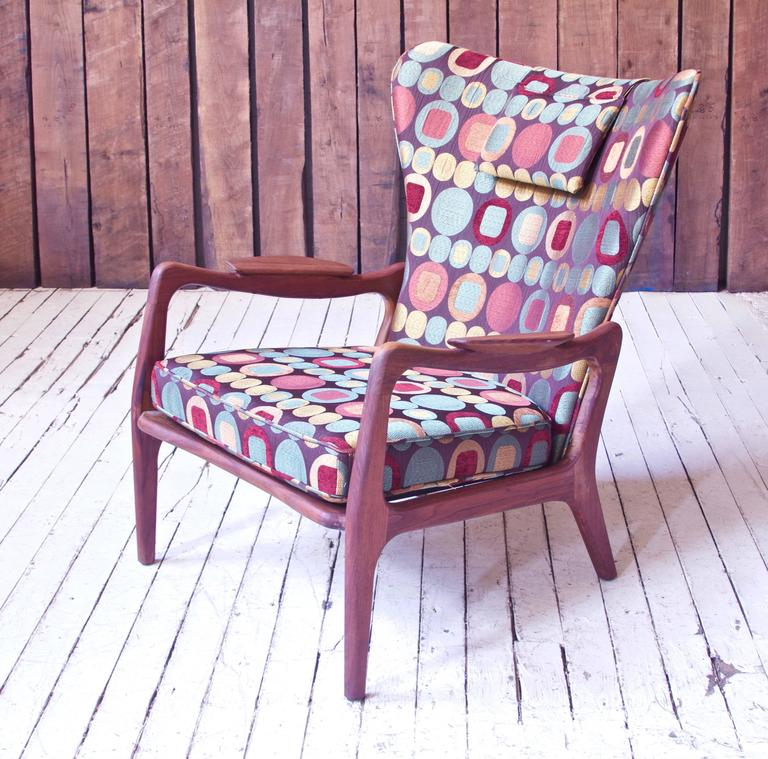 American Vintage Wingback Lounge Chair in Sculpted Walnut by Adrian Pearsall, 1970s