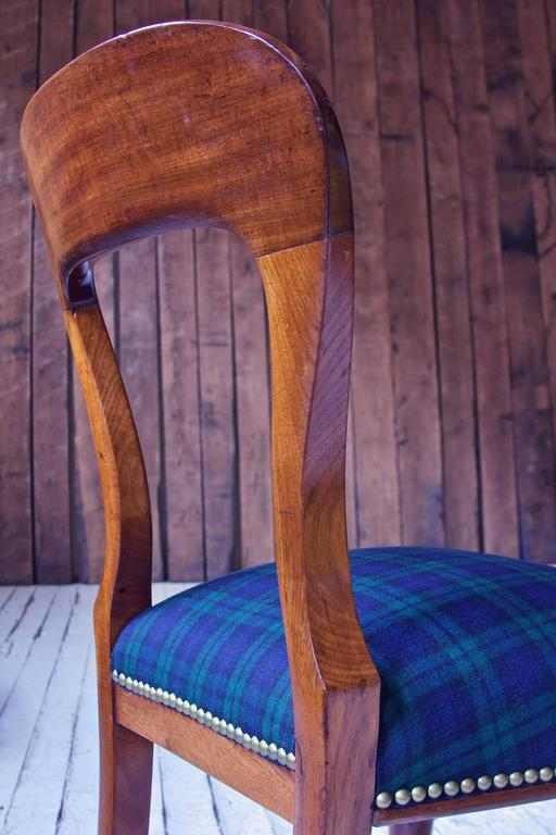 Mid-19th Century William IV Set of 8 'Balloon' Chairs in Cuban Mahogany and Blue Plaid Wool 1830s