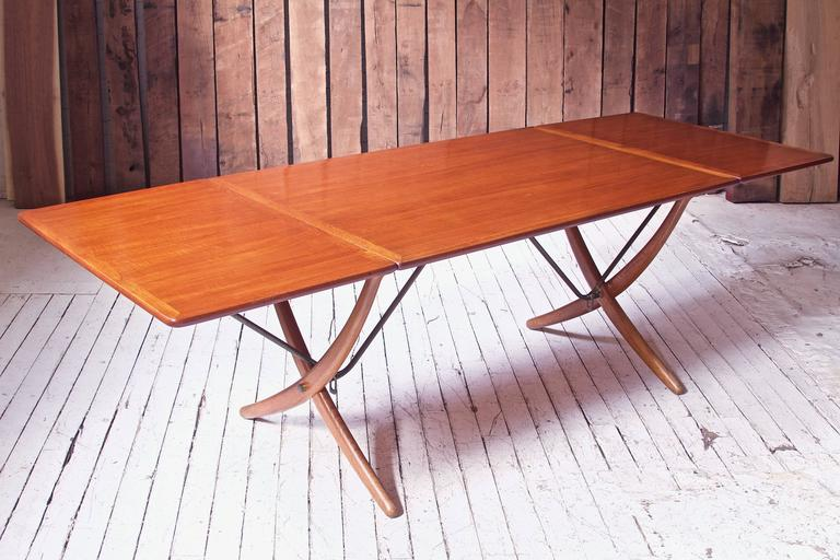 Vintage Hans Wegner AT-304 Sabre-Leg Dining Table in Teak, Oak & Brass, 1955 In Excellent Condition In Brooklyn, NY