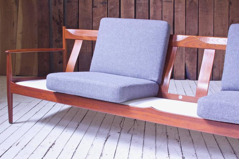 Polished Vintage Grete Jalk Fd-118 Four-Seat Sofa in Teak and Grey Wool, 1960s For Sale