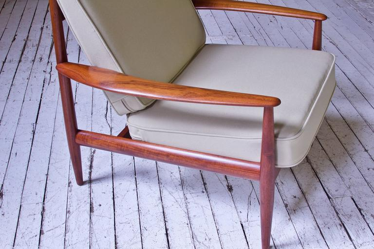 Mid-20th Century Vintage Grete Jalk Fd-118 Easy Chair in Teak and Beige Wool, 1960s For Sale