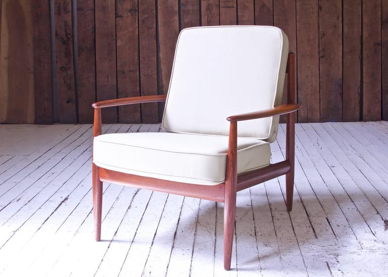 Vintage Grete Jalk Fd-118 Easy Chair in Teak and Beige Wool, 1960s In Excellent Condition For Sale In Brooklyn, NY