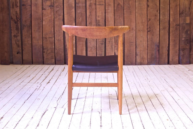 Vintage Hans Wegner for C.M. Madsens 'W2' Chair in Oak; Denmark, 1950s In Good Condition For Sale In Brooklyn, NY