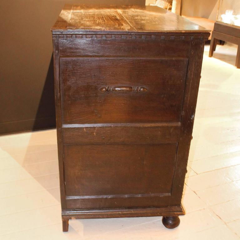 Period 17th-Early 18th Century Pilgrim Chest For Sale 2
