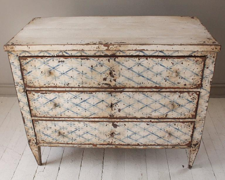 19th Century French Decoratively Painted Chest In Good Condition For Sale In New Preston, CT