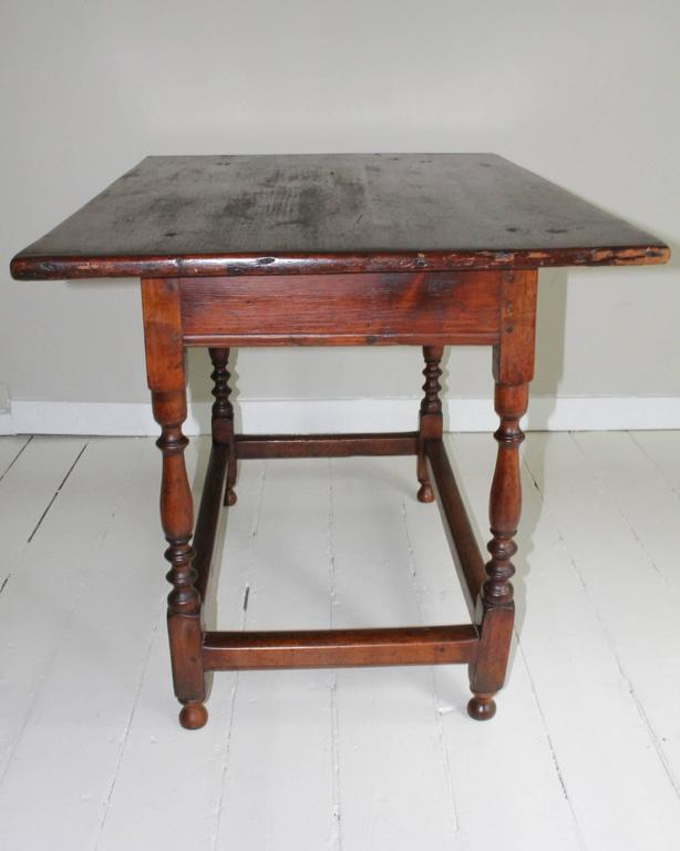 18th Century American Oak Tavern Table For Sale 1